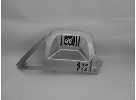 Levý spodní přední kryt - stříbrný