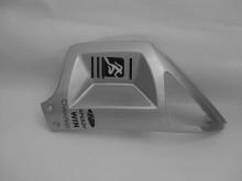 Pravý spodní přední kryt - stříbrný