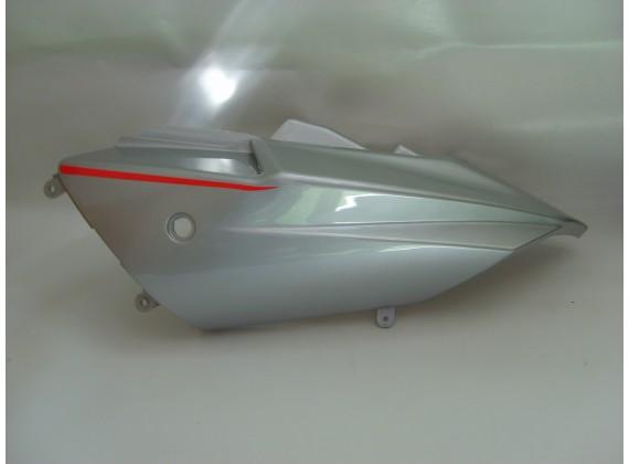 Levý zadní postranní kryt - stříbrný