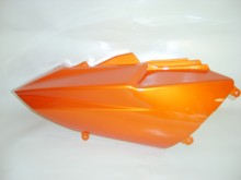 Pravý zadní postranní kryt - oranžový